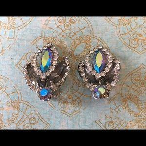 Beautiful 1950's Vintage Rhinestone Earrings
